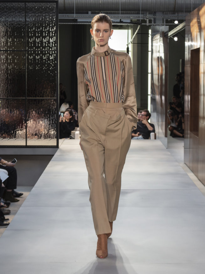burberry-spring-summer-2019-collection-look-06-654x872